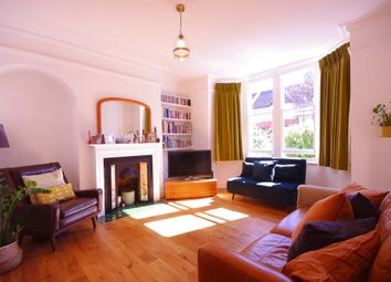 Thumbnail Flat for sale in Stonard Road, London