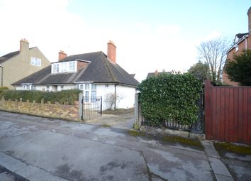 Thumbnail 4 bedroom detached house for sale in Downshire Square, Reading