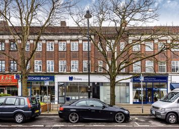 3 bed flat to rent in Walton Road, East Molesey KT8