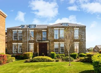 Thumbnail 2 bed flat to rent in Royal Drive, London N11,