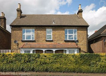 1 bed flat for sale in Chelmsford Road, London E18