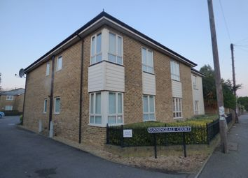 Thumbnail 2 bed flat to rent in Wrotham Road, Meopham, Gravesend