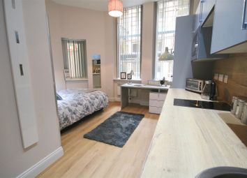 Thumbnail 5 bedroom flat to rent in Guildhall Walk, Portsmouth