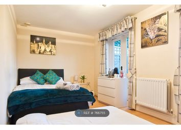 Room to rent in Chelsea Gardens, London W13