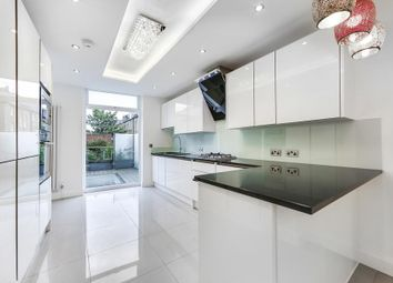 Thumbnail 2 bedroom flat for sale in Mountgrove Road, London