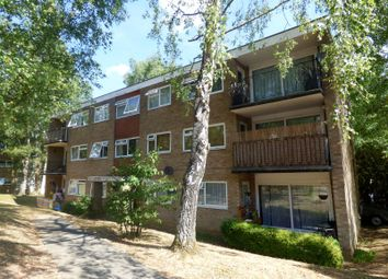 Thumbnail 2 bed flat to rent in The Parkway, Southampton