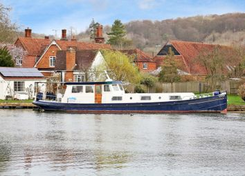 Thumbnail 2 bedroom houseboat for sale in The Wharf, Temple Lane, Bisham