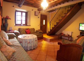 Thumbnail 2 bed town house for sale in Gallicano, Toscana, 046015, Italy