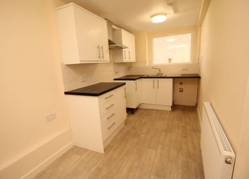 2 bed flat to rent in Hill Street, Poole, Dorset BH15