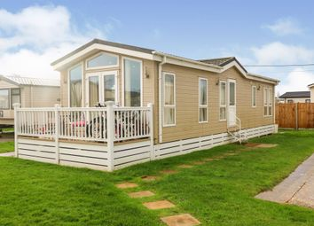 3 bed mobile/park home for sale in Christchurch Road, New Milton BH25