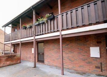 Thumbnail Studio to rent in Rochfords Gardens, Slough