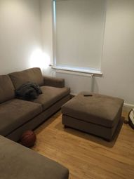 Thumbnail 3 bed flat to rent in Queens Square, Leeds