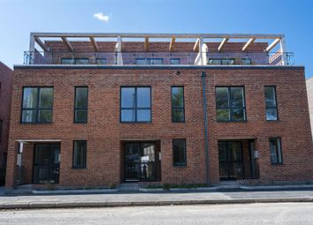 Thumbnail 2 bed town house for sale in Trent Lane, Sneinton, Nottingham