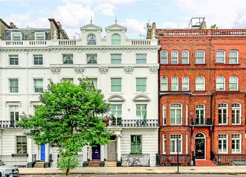 Thumbnail 5 bed property for sale in Oakley Street, London