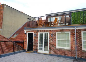 Thumbnail 2 bedroom flat to rent in Bell Street, Henley-On-Thames