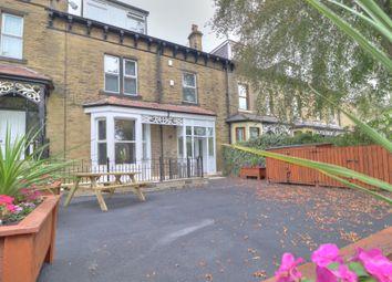2 bed flat for sale in Kirkgate, Shipley BD18