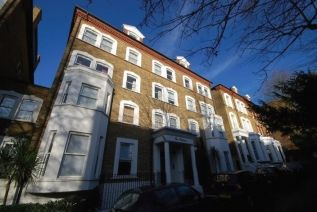 Thumbnail 3 bed flat to rent in The Porticos, Belsize Avenue, London