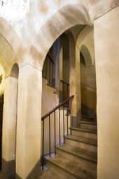 Thumbnail Hotel/guest house for sale in Via Del Centro, Arezzo (Town), Arezzo, Tuscany, Italy