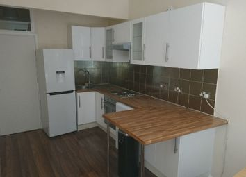 Thumbnail 3 bed flat to rent in Grays Inn Road, Kings Cross