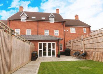Meadowsweet Lane, Warfield, Bracknell RG42. 4 bed property for sale