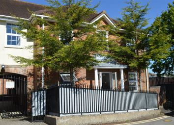 2 bed flat for sale in Rutland Street, High Wycombe HP11
