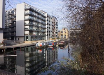 Thumbnail 1 bed flat to rent in Hertford Road, Haggerston