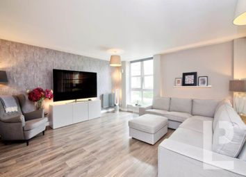 Barrier Point Road, Royal Docks, London E16. 2 bed flat