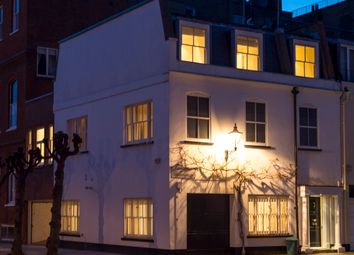 Thumbnail 6 bed mews house for sale in Clabon Mews, London