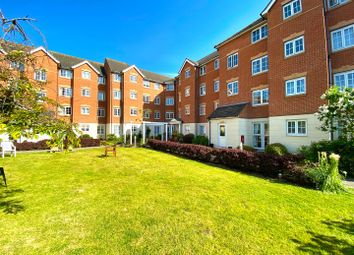 Thumbnail 1 bed flat to rent in Queens Crescent, Southsea