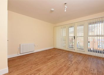 Thumbnail 2 bedroom flat to rent in Flt B, 6 Victoria Road, Mortimer, Berks