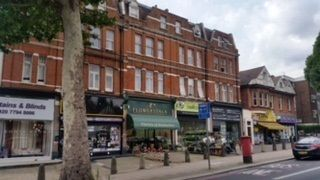 Finchley Road, London NW3. Retail premises to let
