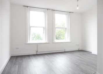 Thumbnail 3 bedroom flat to rent in Haling Park Road, South Croydon