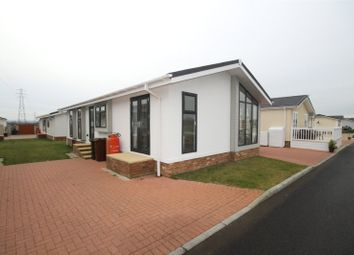 2 bed mobile/park home for sale in Maple Mews, Hayes Country Park, Battlesbridge, Wickford SS11