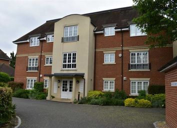 Thumbnail 2 bed flat to rent in St. Johns Road, Newbury