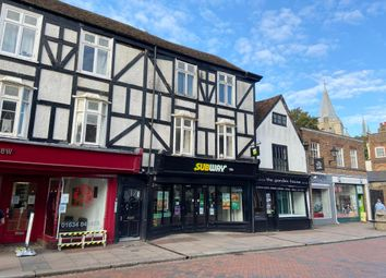 100B High Street, Rochester, Kent ME1. 2 bed flat for sale