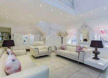Thumbnail 4 bed farmhouse for sale in Boydstone Road, Lochwinnoch, Renfrewshire