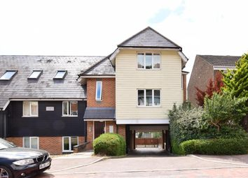 2 bed flat for sale in Beacon Road, Chatham, Kent ME5