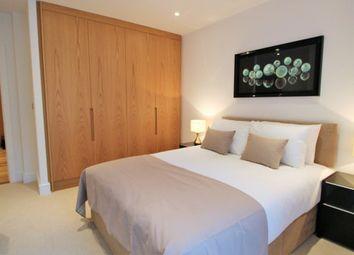 Thumbnail 2 bed flat for sale in Royal Gateway Silvertown Way, London