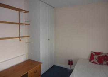 Thumbnail Room to rent in Stanhope Drive (Room 1), Horsforth, Leeds