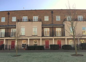 3 bed property to rent in Liverymen Walk, Greenhithe DA9