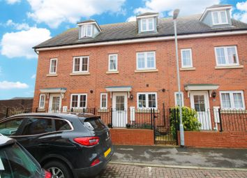 3 bed town house for sale in Paton Court, Calverton, Nottingham NG14