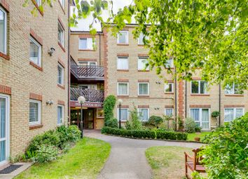 Homecross House, London W4. 1 bed flat