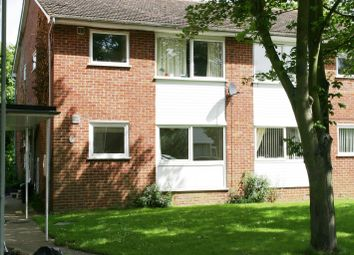 Thumbnail 2 bed flat to rent in Berkeley Road, Thame, Oxfordshire
