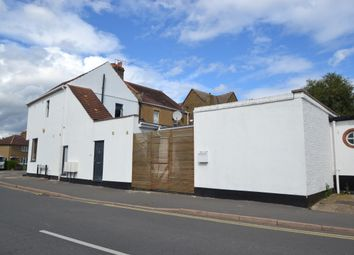 Fleece Road, Long Ditton, Surbiton KT6. 2 bed flat
