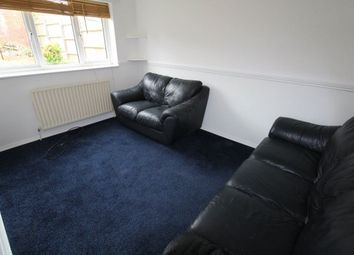 Thumbnail 2 bed flat to rent in Moreton Road North, Luton