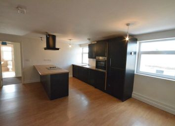 2 bed flat to rent in Pickup Street, Clayton Le Moors, Accrington BB5