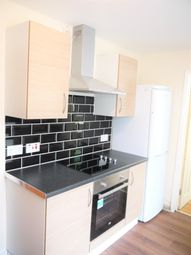 Thumbnail 6 bed shared accommodation to rent in Luton Rd, Chatham, Kent