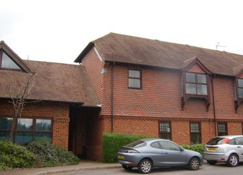 2 bed flat to rent in Dogflud Way, Farnham GU9