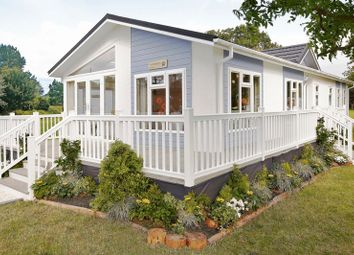 Thumbnail 2 bed mobile/park home for sale in Welford Chase, Binton Road, Welford On Avon