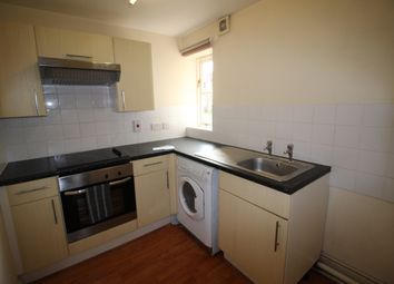 Thumbnail 2 bed flat to rent in Halstead Road, Colchester
